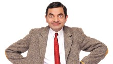 Mr. Bean Selamatkan Orang dari Kecelakaan
